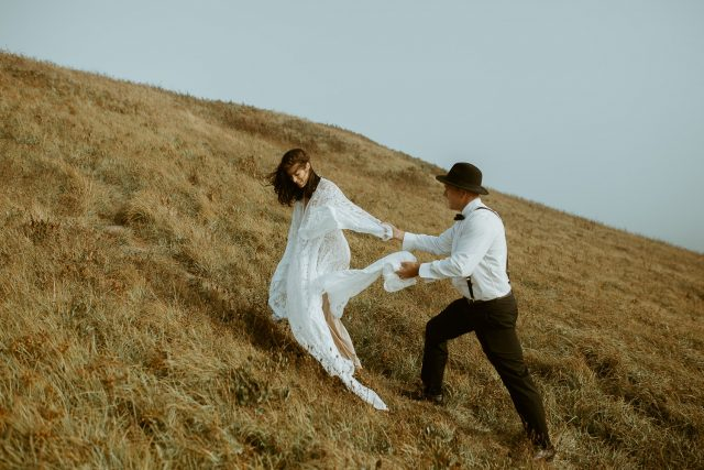 lawrencetown cliffside elopement couples